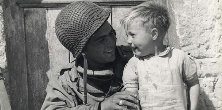 Qui est le petit garçon français sur cette photo ? La famille du GI lance un avis de recherche