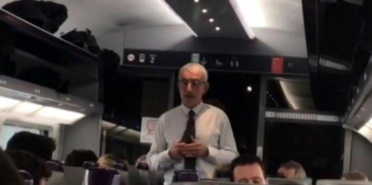 Retard sur un TGV: le patron de la SNCF, à bord, en fait l'annonce aux passagers