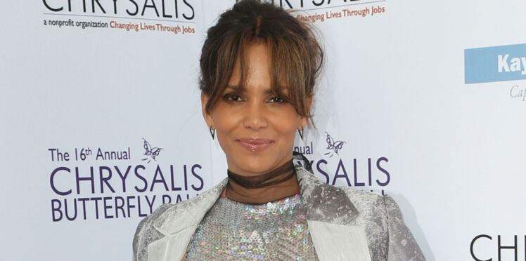 PHOTOS - Halle Berry, 50 ans, crée la surprise en s'affichant… enceinte !
