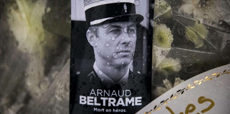 """On t'aime frangin"": l'hommage bouleversant du frère du gendarme Arnaud Beltrame"