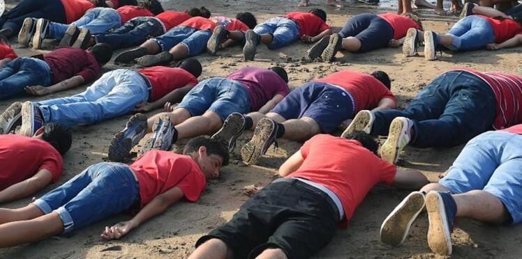 """Maroc : ils reproduisent le """"cliché de la honte"""" pour rendre hommage à Aylan Kurdi"""