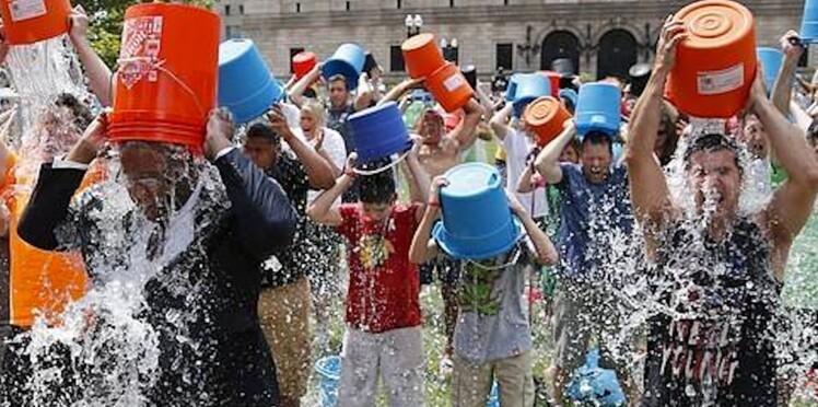 Ice bucket challenge : un an plus tard, que sont devenus les fonds récoltés ?