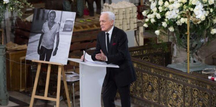 Hommage à Johnny Hallyday : Jade et Joy oubliées du discours de Philippe Labro, il s'excuse