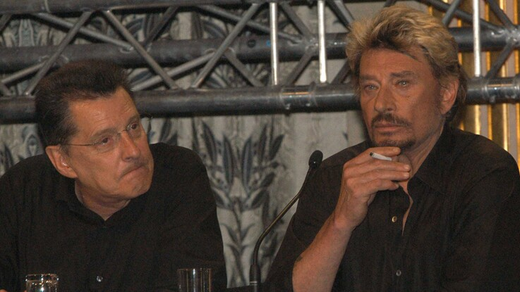 Photos - Jean-Claude Camus publie un intrigant cliché de l'enterrement de Johnny Hallyday