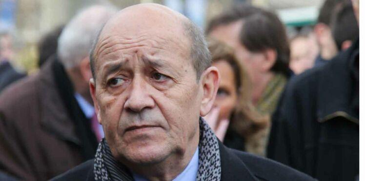 Jean-Yves Le Drian furieux contre le Petit Journal de Canal +