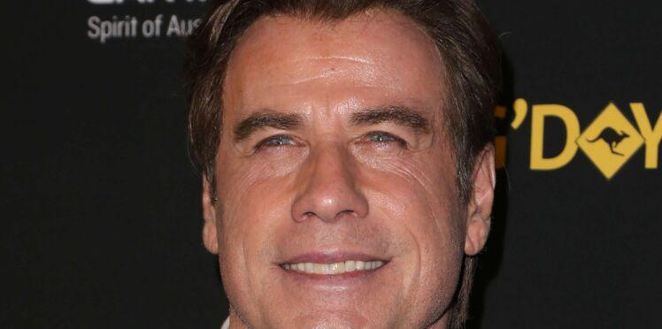 """John Travolta accusé par sa partenaire dans """"Hairspray"""" d'être un """"pervers"""" qui harcèle sexuellement les hommes"""