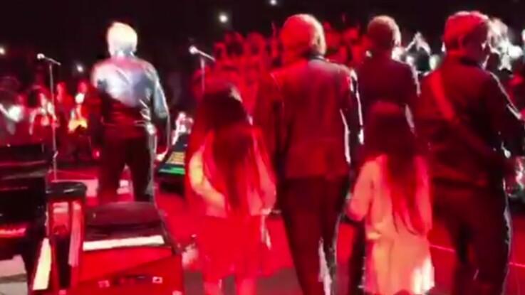 Jade et Joy invitées surprises sur scène lors du dernier concert de Johnny Hallyday