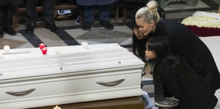 Johnny Hallyday : une messe en hommage au chanteur aura lieu une fois par mois à la Madeleine