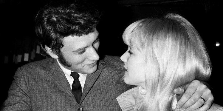 """Johnny Hallyday : Sylvie Vartan raconte les dessous de la chanson """"Que je t'aime"""""""