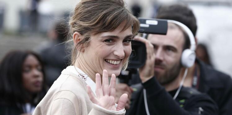 """La demande """"bizarre"""" faite à Julie Gayet sur François Hollande"""