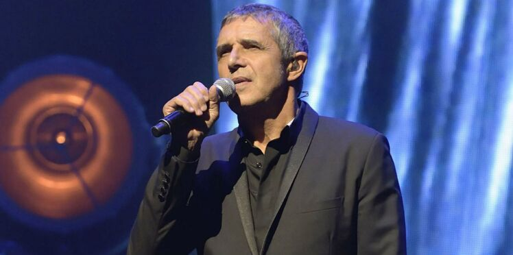 Julien Clerc : absent des obsèques de France Gall, il lui rend hommage sur scène