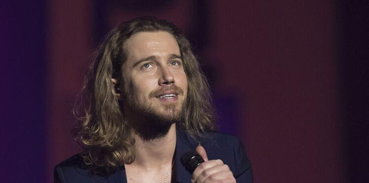 Vidéo - Julien Doré félicité par une célèbre chanteuse américaine sur les réseaux sociaux