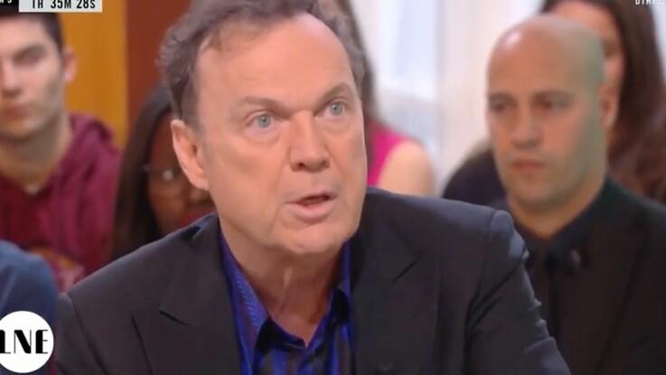 Julien Lepers est-il devant sa télé pour Questions pour un champion ? Il répond
