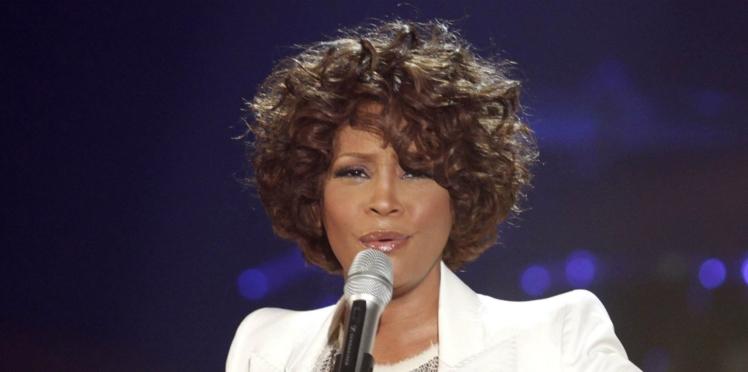 Kanye West fâche en exploitant la toxicomanie de Whitney Houston