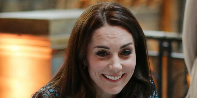 Sublime, Kate Middleton sort de son rôle de princesse pour consoler une maman