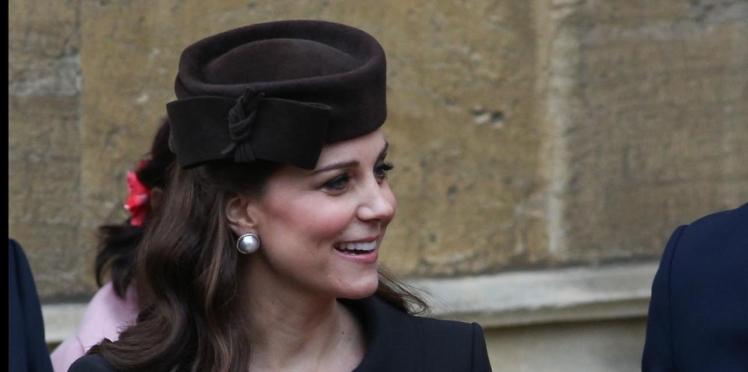 Kate Middleton très enceinte pour la messe de Pâques