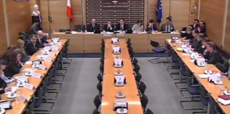 Attentats : colère et critiques des victimes devant la commission d'enquête