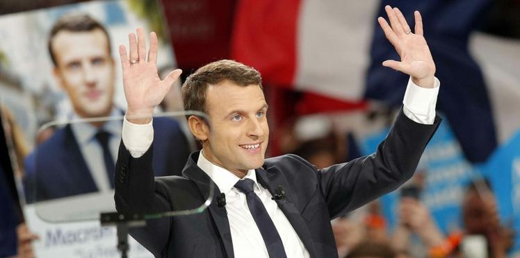 LA déclaration d'amour (surprise) à Emmanuel Macron en plein meeting