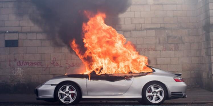 Porsche incendiée à Nantes : ils pensaient brûler une voiture de patron, le propriétaire est électricien