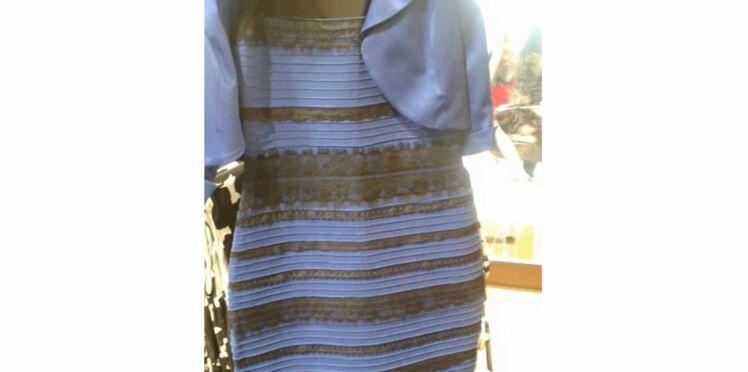 La robe qui a rendu fous les internautes mise aux enchères pour une association