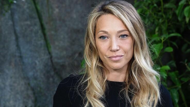 """Laura Smet : son amie Melita Toscan du Plantier explique pourquoi les Hallyday n'ont """"jamais été une vraie famille"""""""
