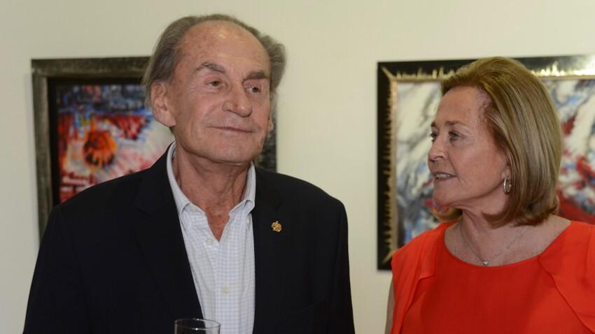 Le père de Nicolas Sarkozy agressé, sa femme très choquée