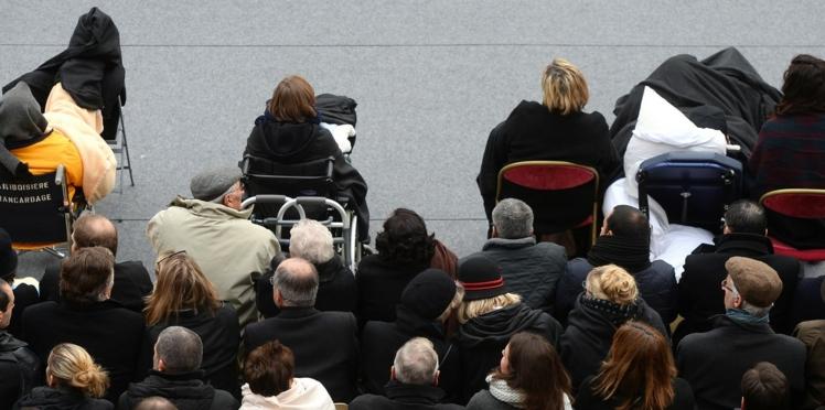 Photos : les blessés des attentats étaient aussi présents lors de l'hommage