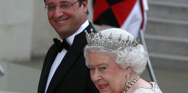 Les gaffes de François Hollande face à la Reine d'Angleterre