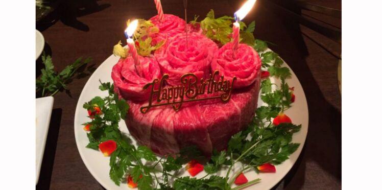 Photos : les gâteaux de viande (crue) nouvelle tendance bizarre pour les anniversaires...