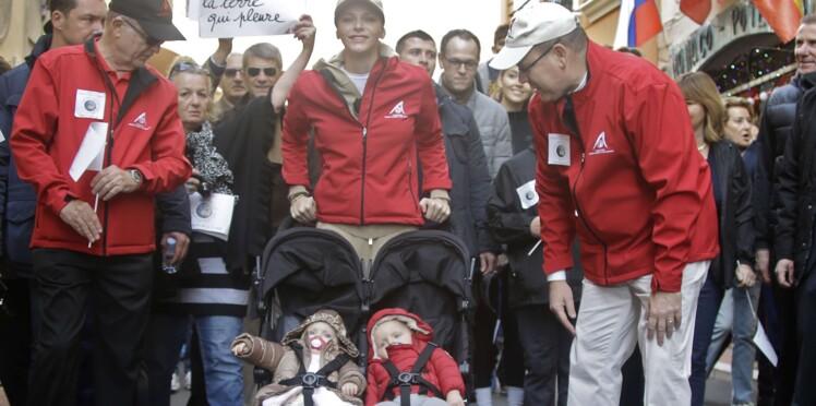 Photos : Albert de Monaco, Charlène et leurs jumeaux marchent pour le climat