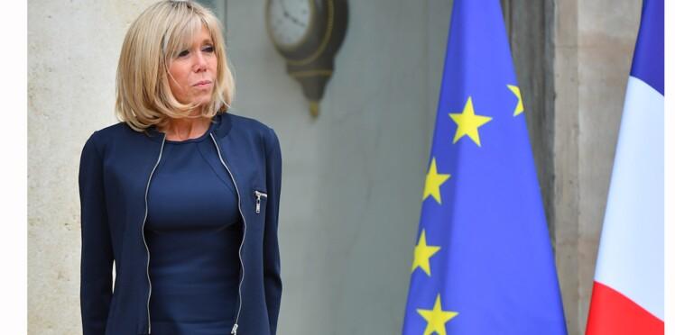 """Le look """"futuriste et soigné"""" de Brigitte Macron encensé par le magazine Vogue"""