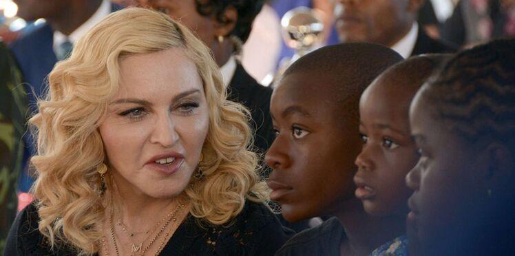 Photo - Madonna : première photo de famille complète, avec ses 6 enfants