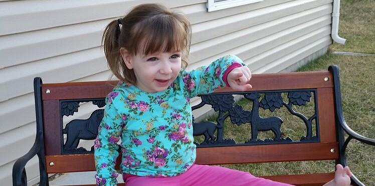 Pour ses 3 ans, Paige, atteinte de la maladie des os de verre, attend votre carte