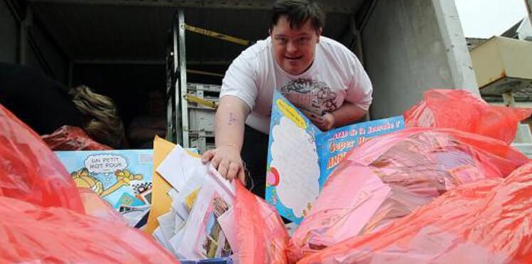Il reçoit 30 000 cartes d'anniversaire du bout du monde pour ses 30 ans