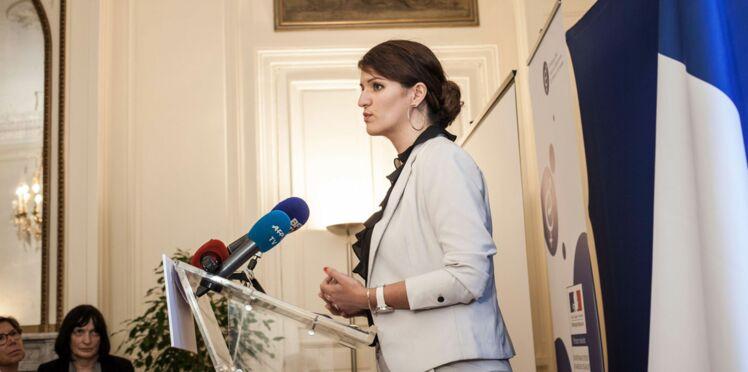 """Marlène Schiappa sur les planches dans """"les monologues du vagin"""""""
