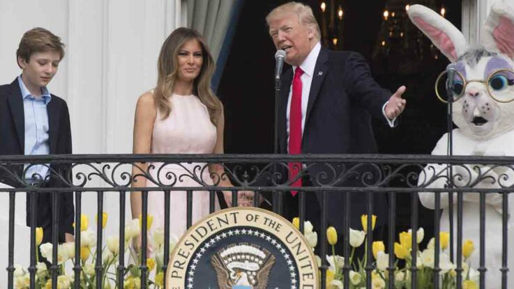 Video : Melania rappelle Donald Trump à l'ordre pendant l'hymne national