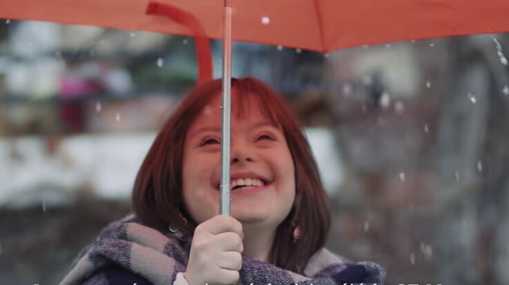 Mélanie, atteinte de trisomie 21, va présenter la météo sur BFM TV et France 2