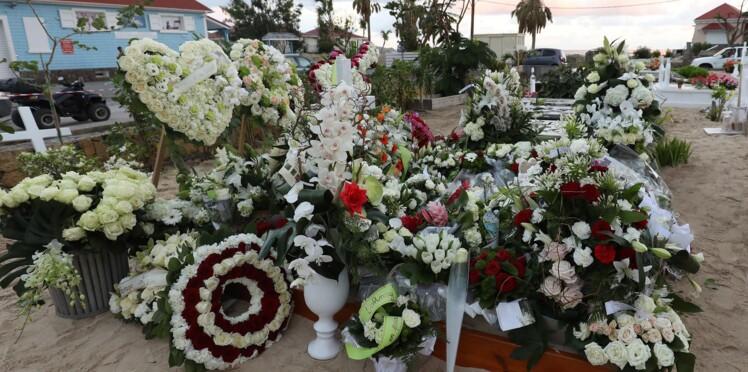 Des mesures prises autour de la tombe de Johnny Hallyday suite à des débordements