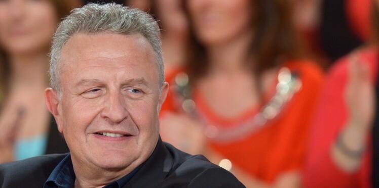 Michel Field, directeur de l'information de France Télévisions sauve sa tête malgré un vote de défiance