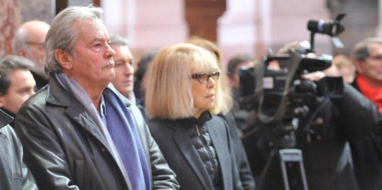 Mireille Darc au plus mal, son mari et Alain Delon à son chevet