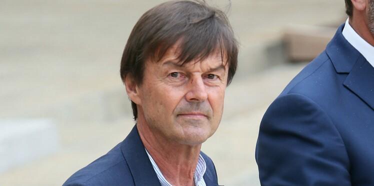 """Nicolas Hulot : les déclarations accablantes du père d'une de ses accusatrices """"elle l'a tenu à bout de fusil"""""""
