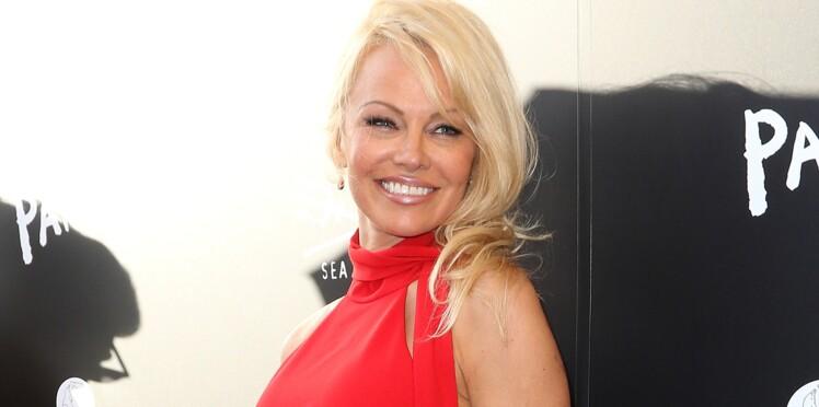 PHOTOS - Pamela Anderson a 50 ans : qui sont les hommes de sa vie ?