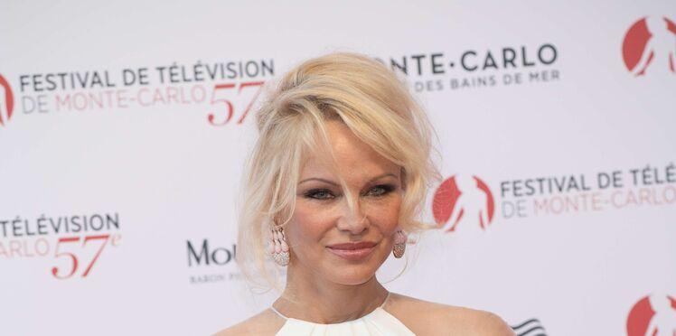 Pamela Anderson en couple avec un footballeur français, découvrez lequel !