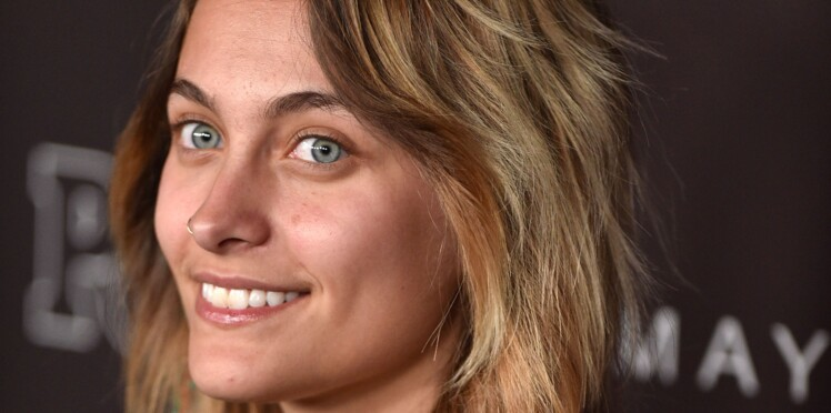 Paris Jackson, sans make up et les aisselles au naturel sur le tapis rouge