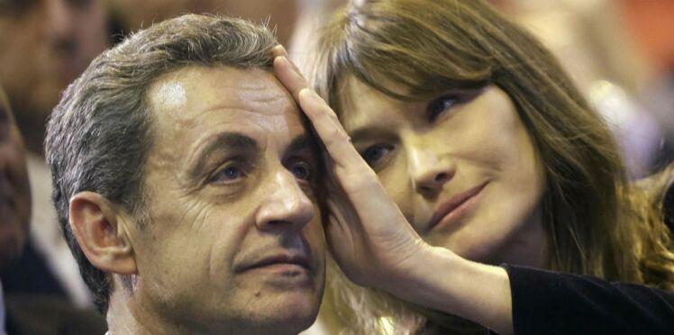 Photo - Carla Bruni publie un tendre cliché de Nicolas Sarkozy câlinant sa fille Giulia