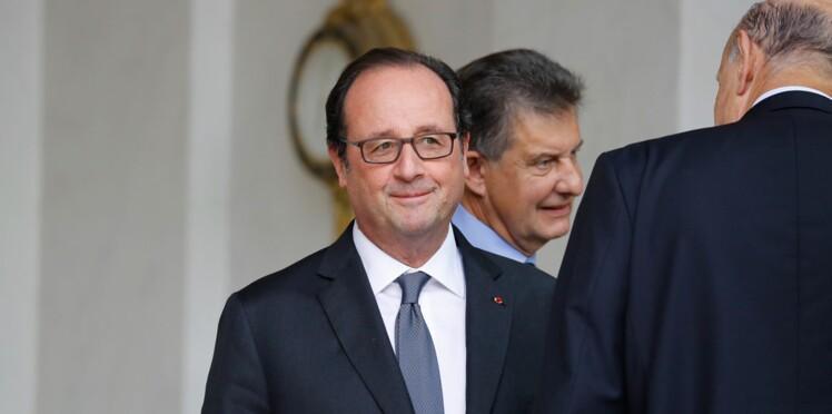 """Avant, il était comment ? La photo vintage de Hollande """"beau gosse"""" qui fait le buzz, c'est ici !"""