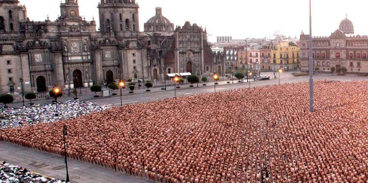 Photos : à Bogota, 6000 personnes posent nues pour un message de paix