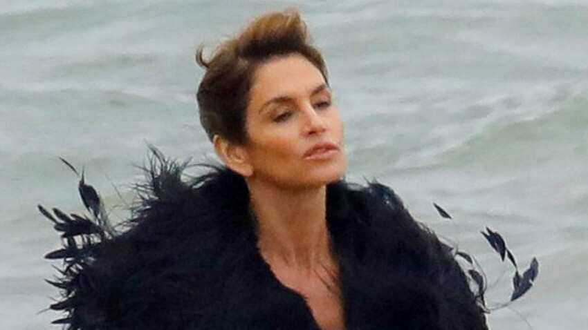 Photos - Cindy Crawford : 52 ans et toujours top