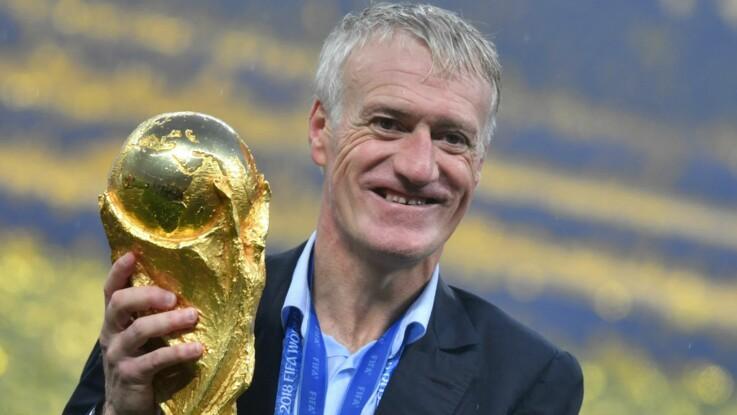 Photos – Didier Deschamps, très ému, fête la victoire des Bleus dans les bras de sa femme Claude et de son fils Dylan