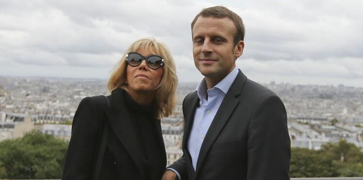 """Photos : Emmanuel Macron et sa femme """"en amoureux"""" à Montmartre"""
